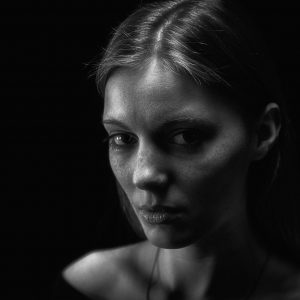 SchwarzraumMedia_Portrait_Studio_Anne_3